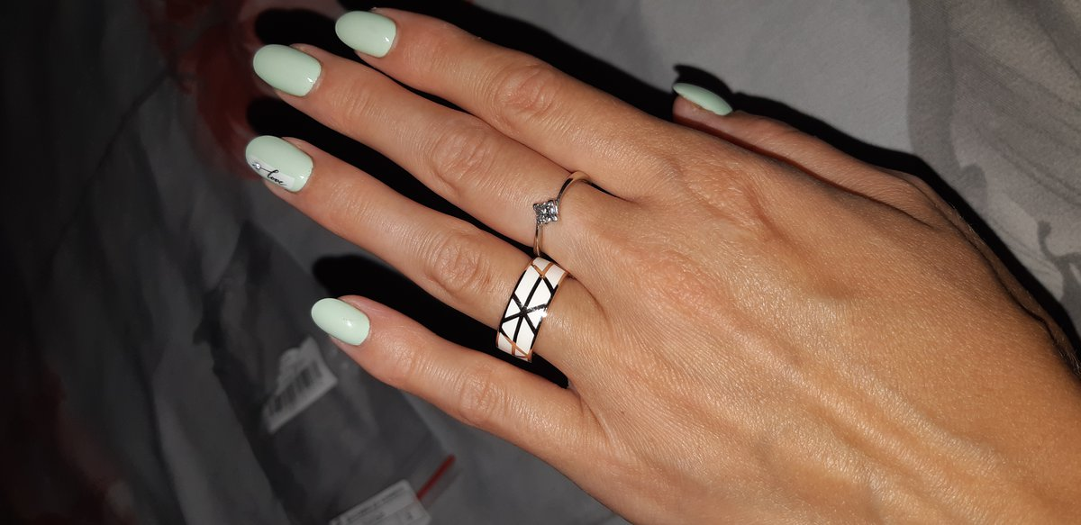 Серебряное кольцо с эмалью