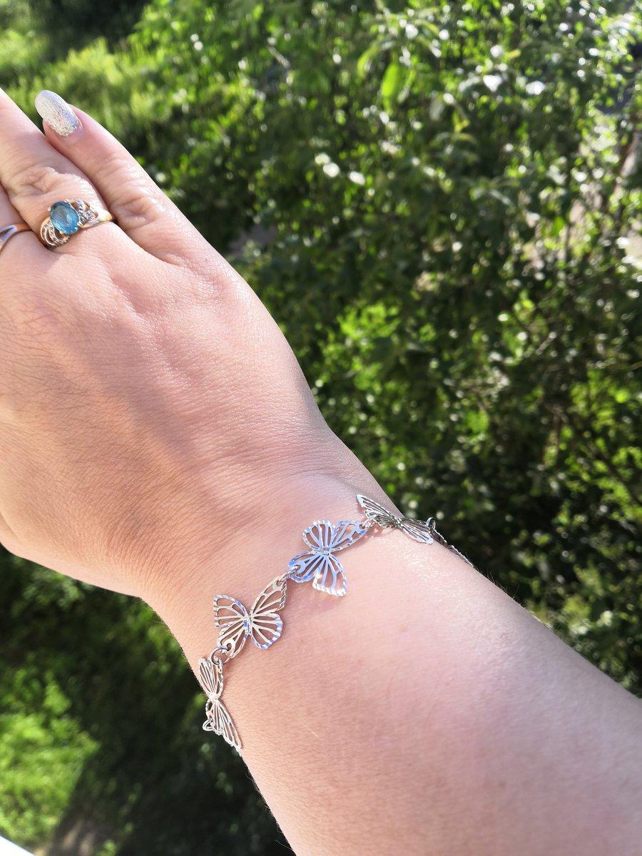 Вальс серебристых бабочек на вашей руке