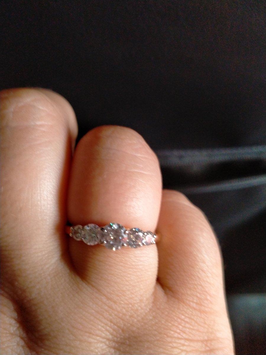 Шикарное кольцо , влюбляется с первого взгляда