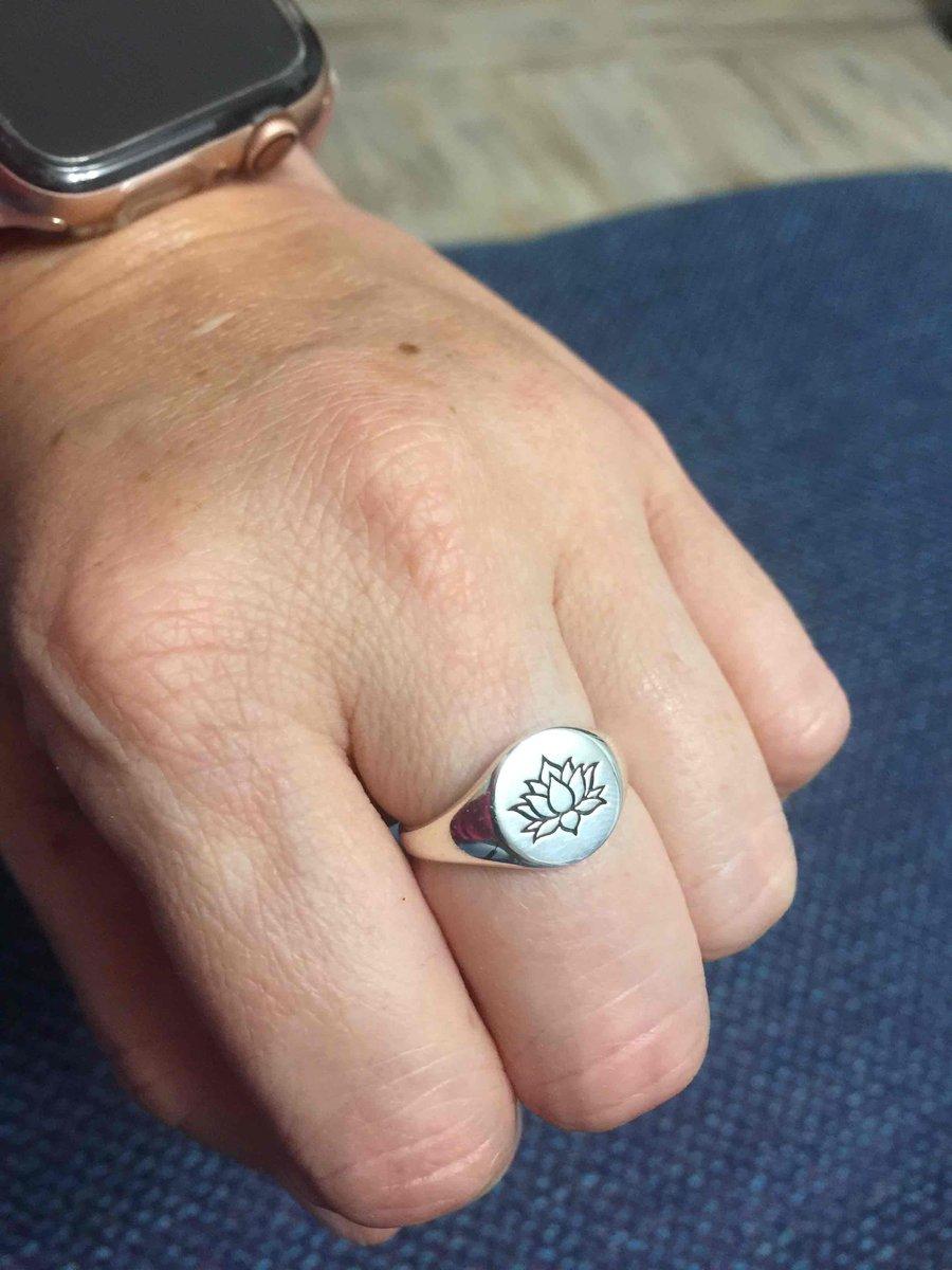 Кольцо с лотосом
