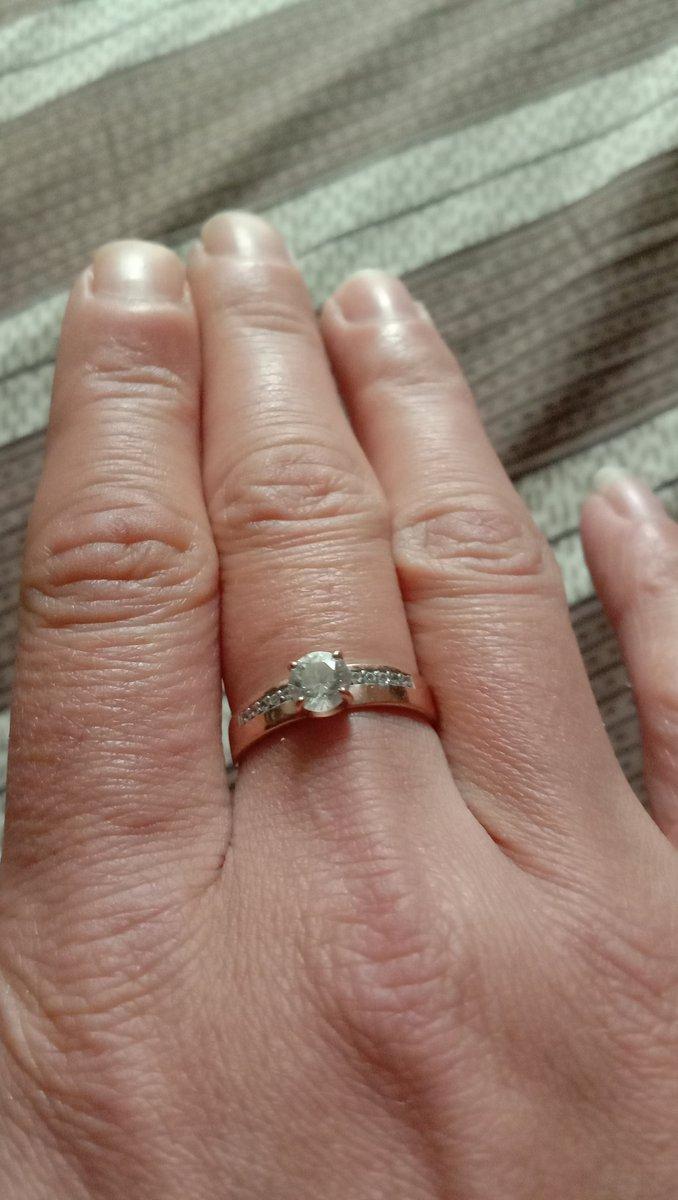 Если хотите сделать предложение,любимой женщине, то это то самое колечко!!!