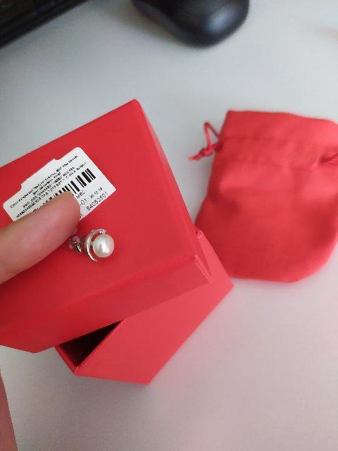 Нежно смотрится сочетание и упаковочка отличная для подарка)