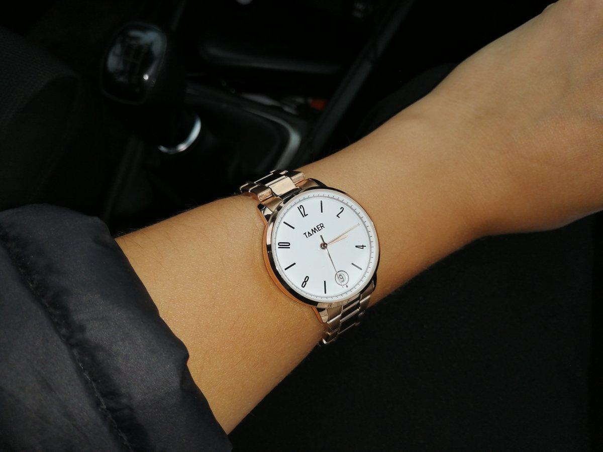 Часы хорошего качества. Крепкая застежка. Выглядят стильно