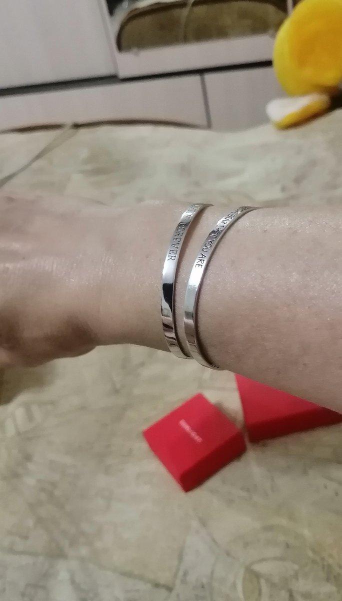 Стильный, оригинальный браслет.