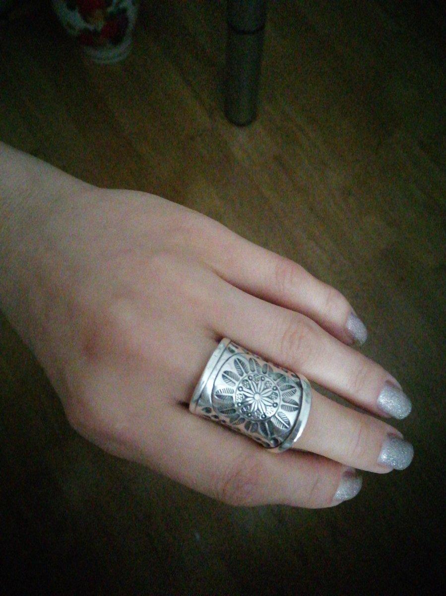 Раскошное кольцо!!! Очень понравилось. Покупкой осталась довольна.