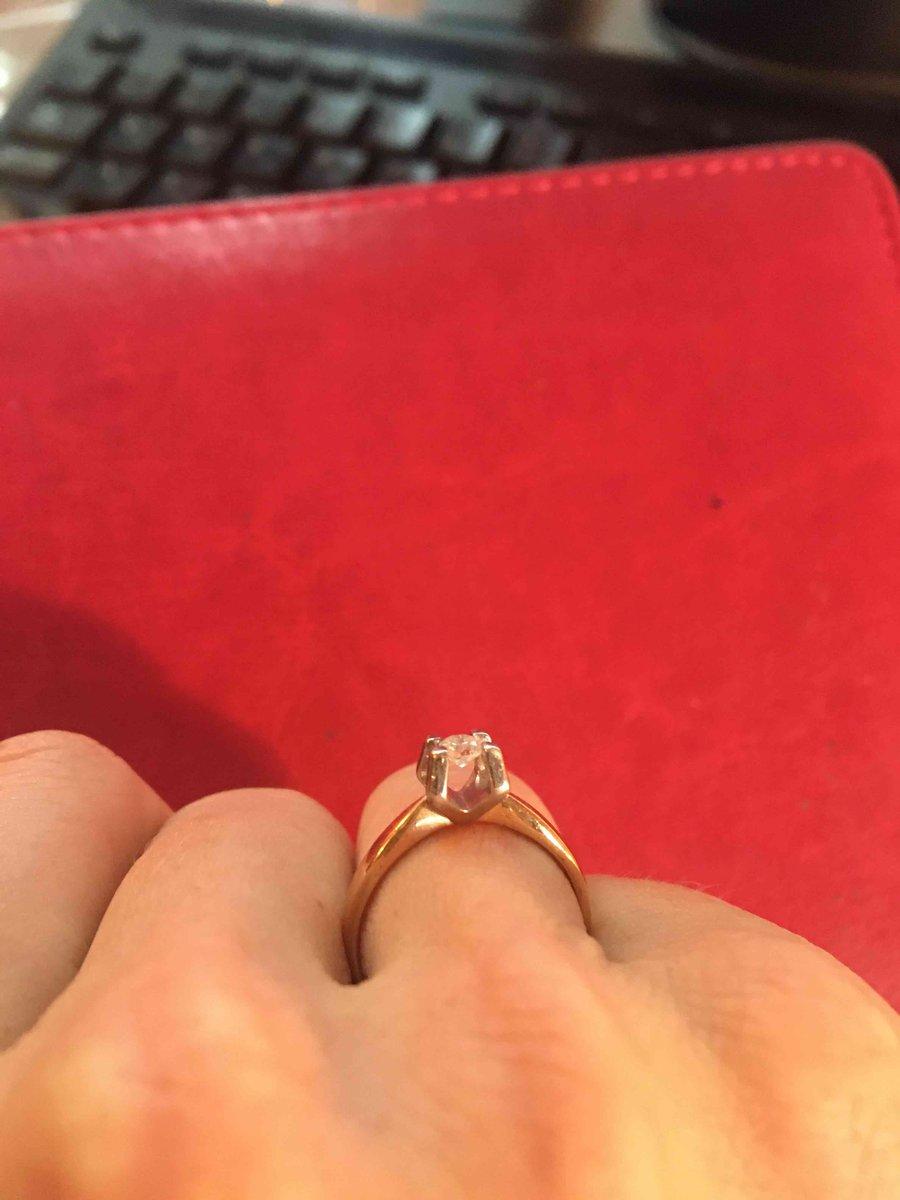 Стильное и утонченное кольцо!