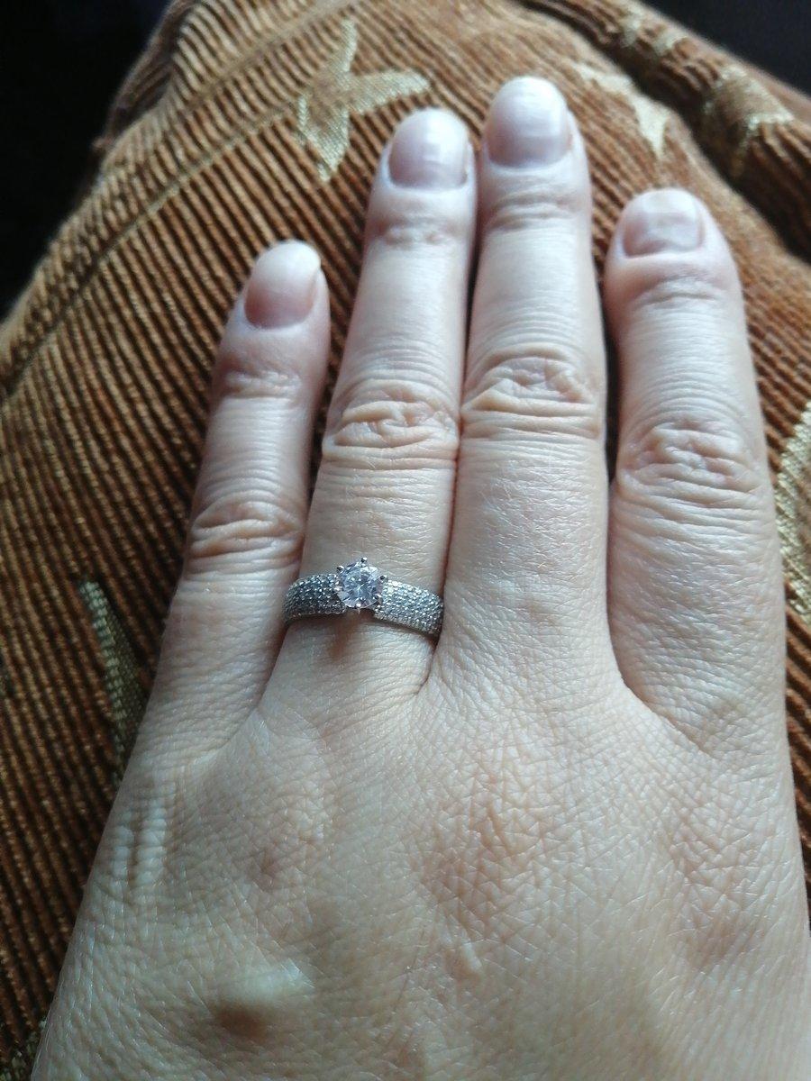 Я заказала это кольцо и оно мне очень нравится.