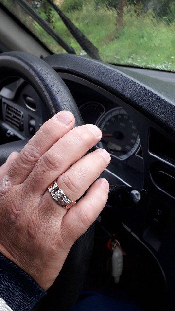 Элегантное кольцо.Великолепный подарок мужу на юбилей.