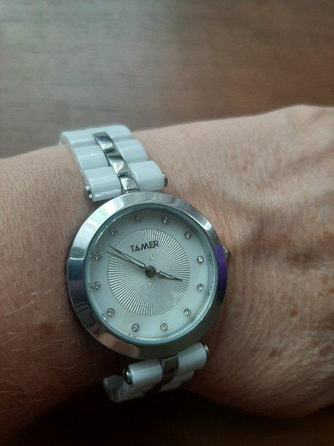 Женские часы с кварцевым механизмом