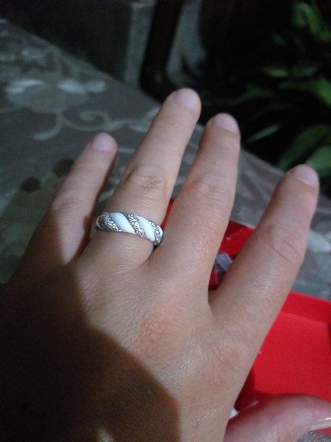 Отличное кольцо, под загорелую кожу идеально подходит