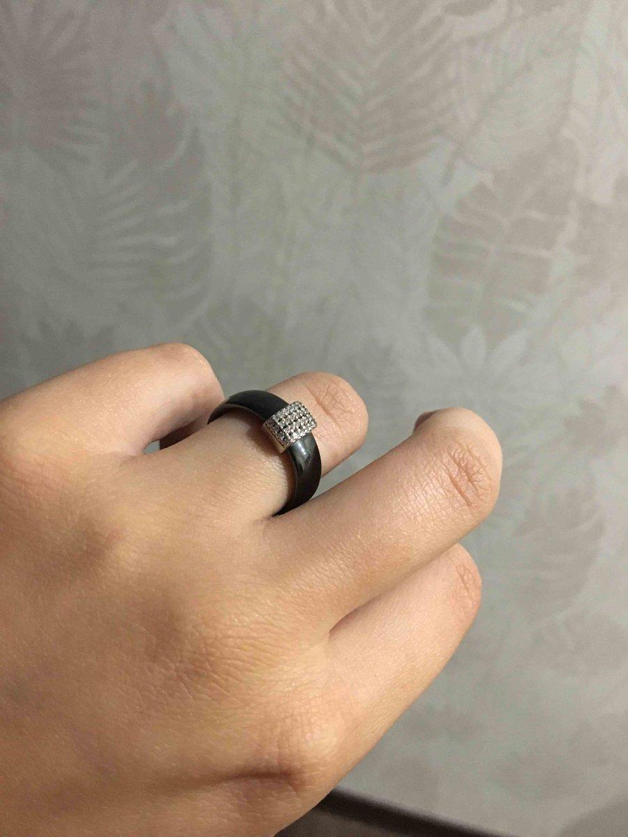 Кольцо красивое и изящное!