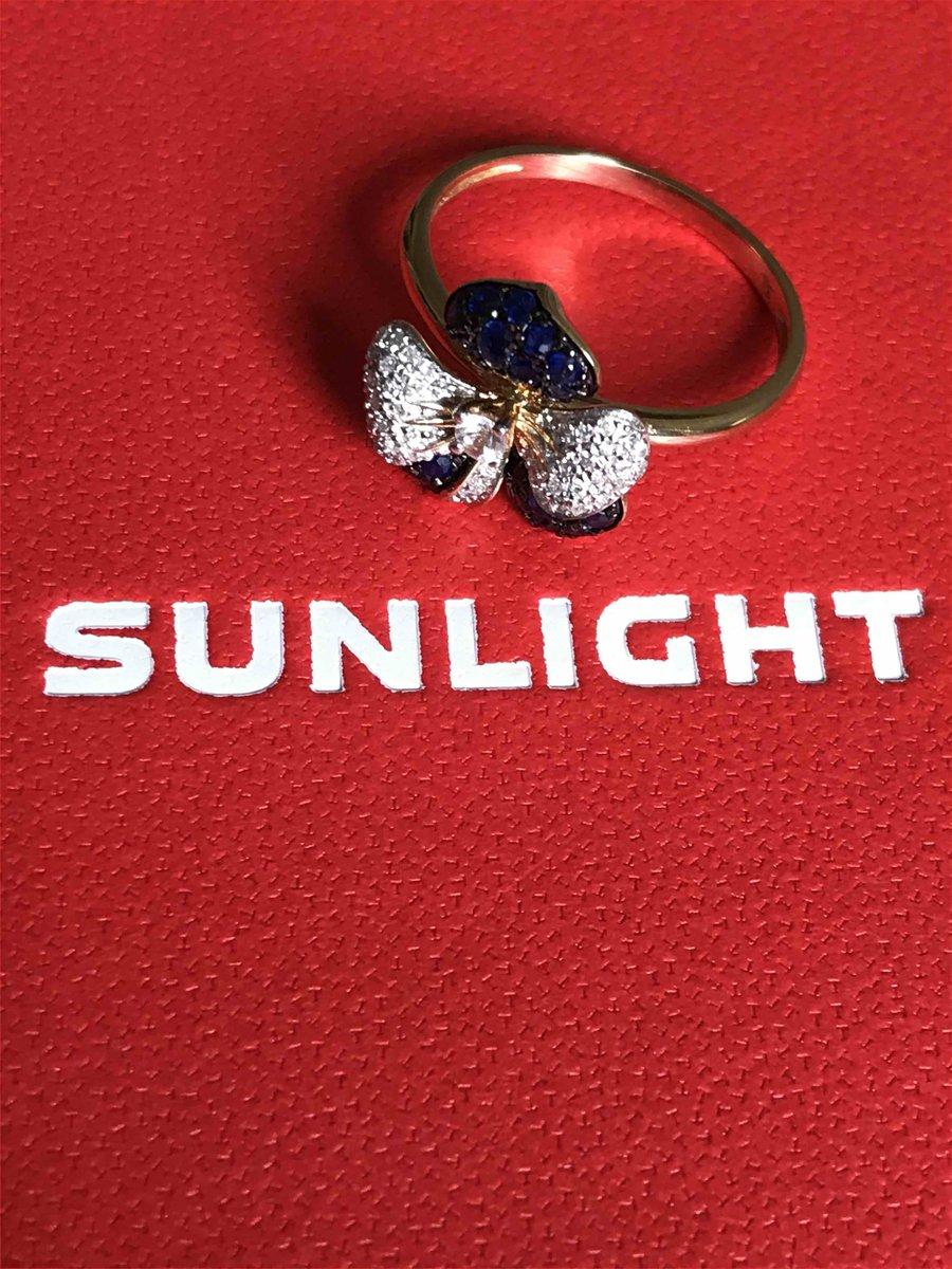 Изумительное кольцо-фиалка.