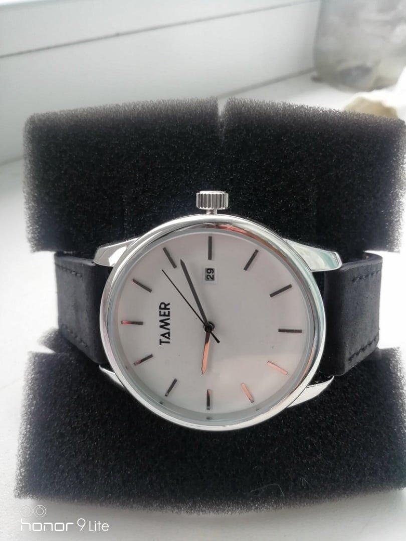 Купила часы в подарок молодому человеку, очень понравились!