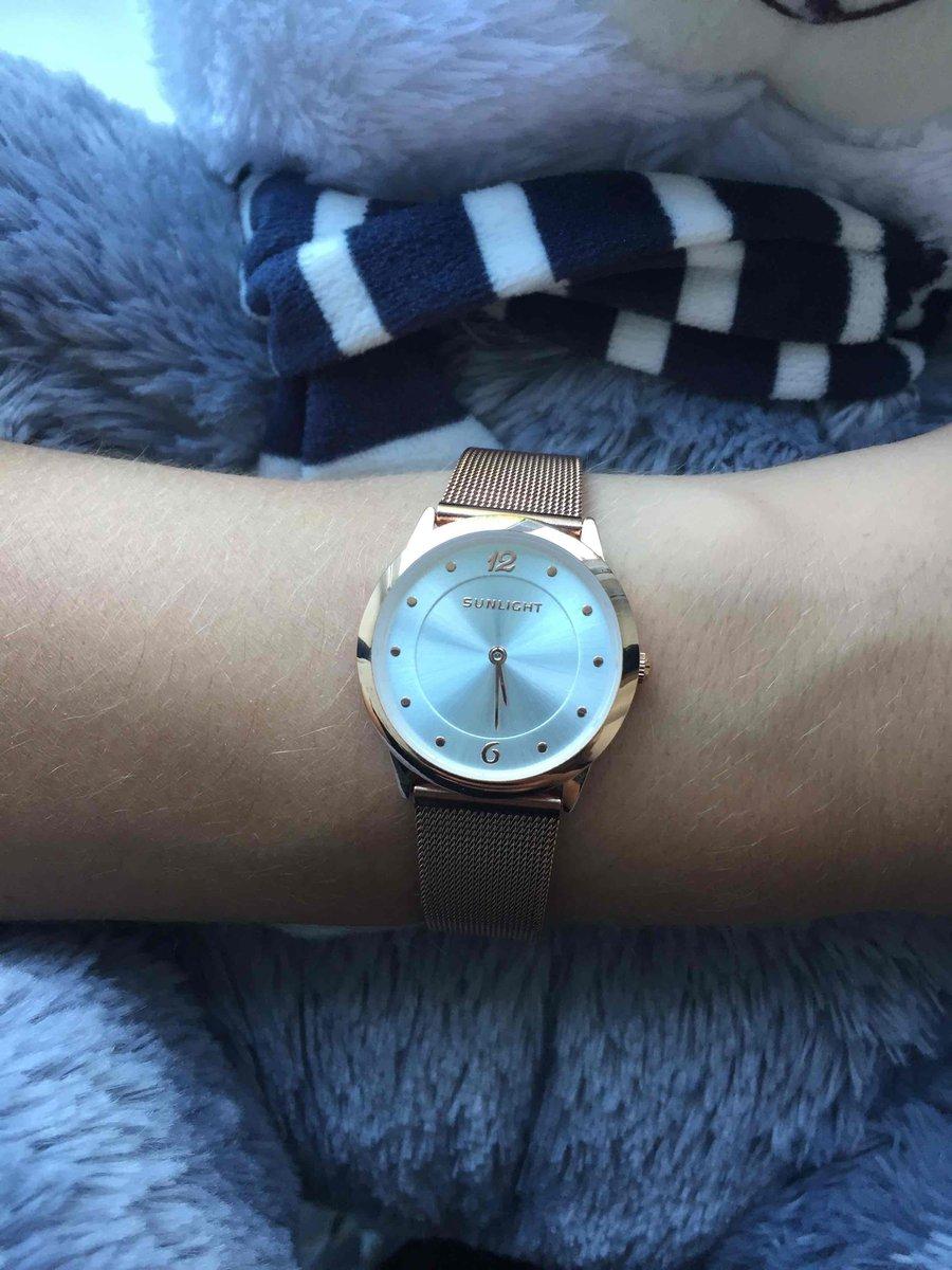 Часы женские золотистые