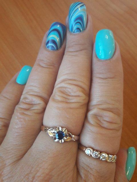 Золотые серьги и кольцо с сапфирами