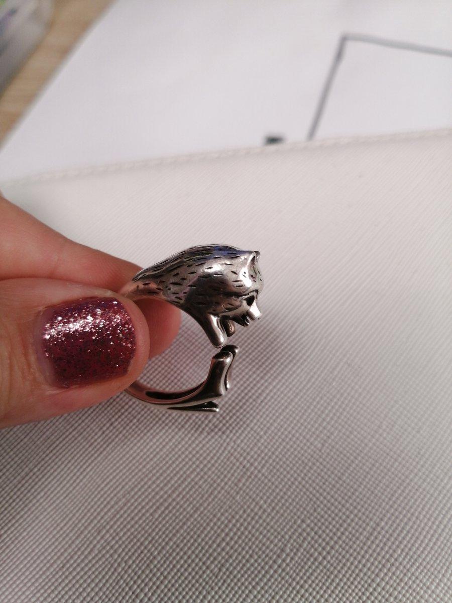 Кольцо, песец или лисица или собачка шпиц
