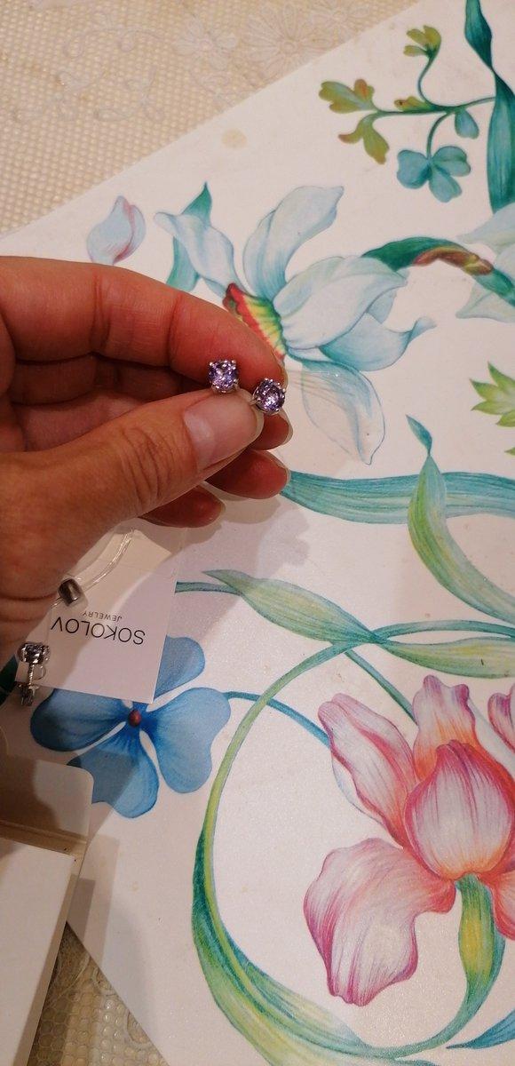 Серёжки супер, солидно выглядят, очень довольна покупкой, цвет насыщенный!