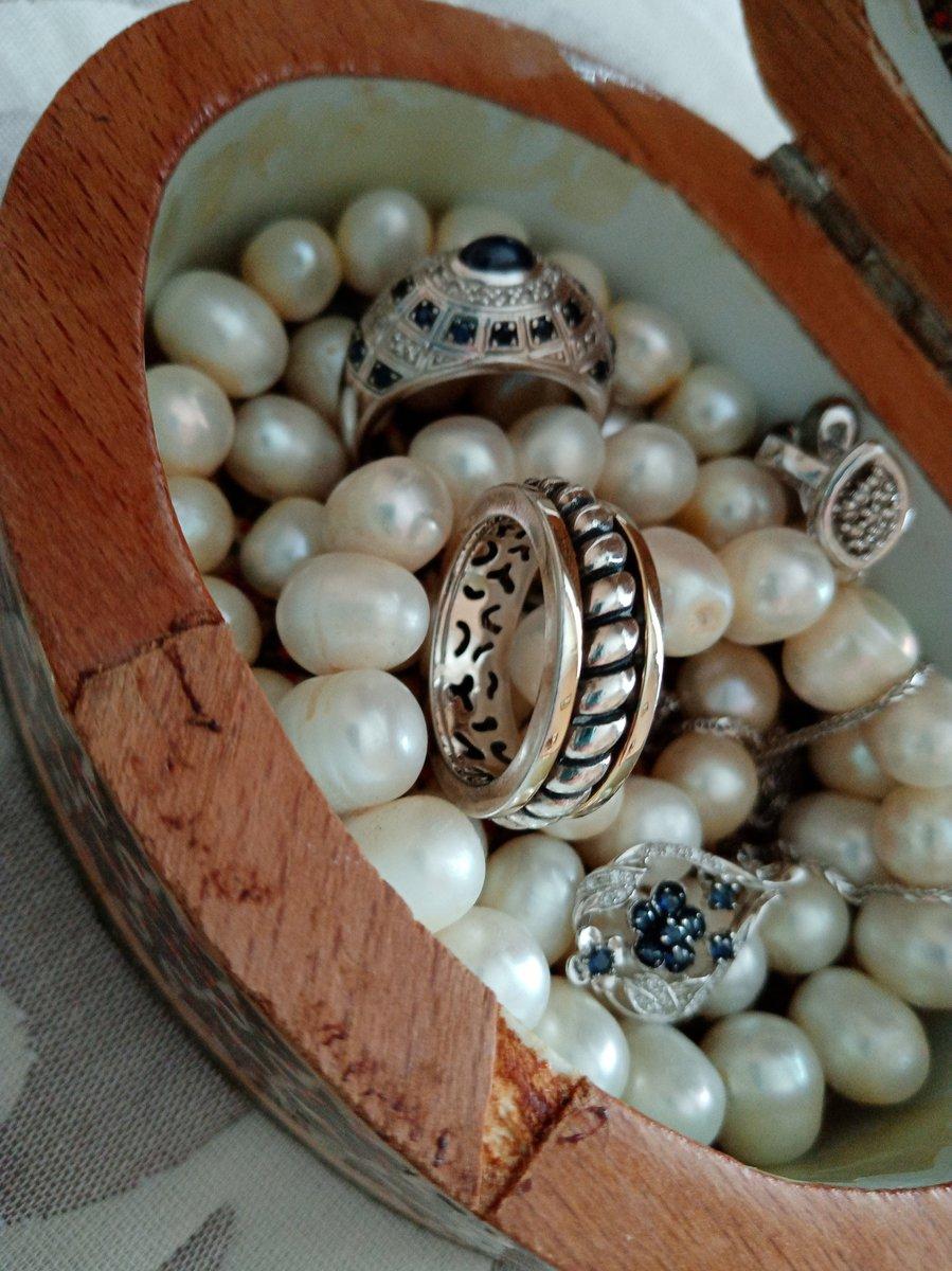 Вместо обручального кольца