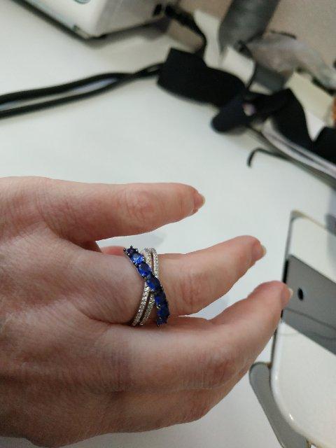 Кольцо серебряное с фианитами и шпинелями
