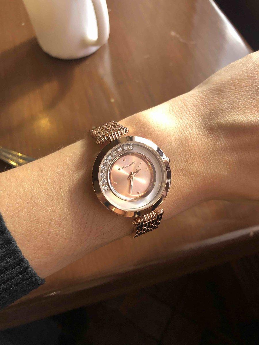 Очень красивые нежные часы