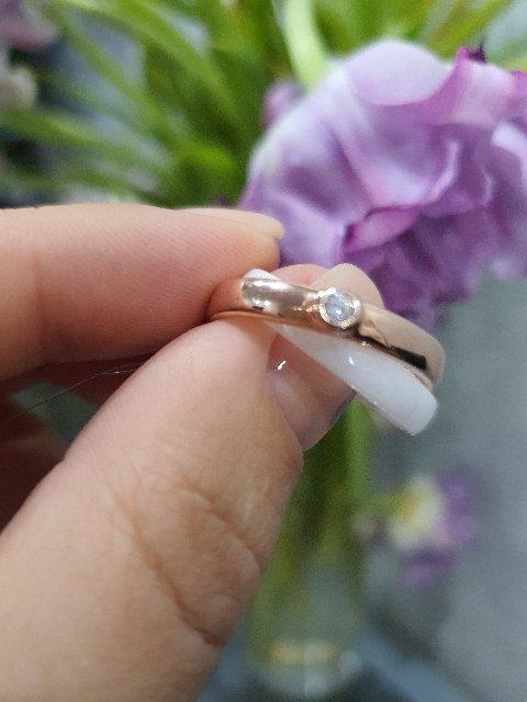 Красота,очень стильное кольцо из белой керамики и позолота