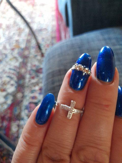 Кольцо очень классное,  смотрится шикарно!)