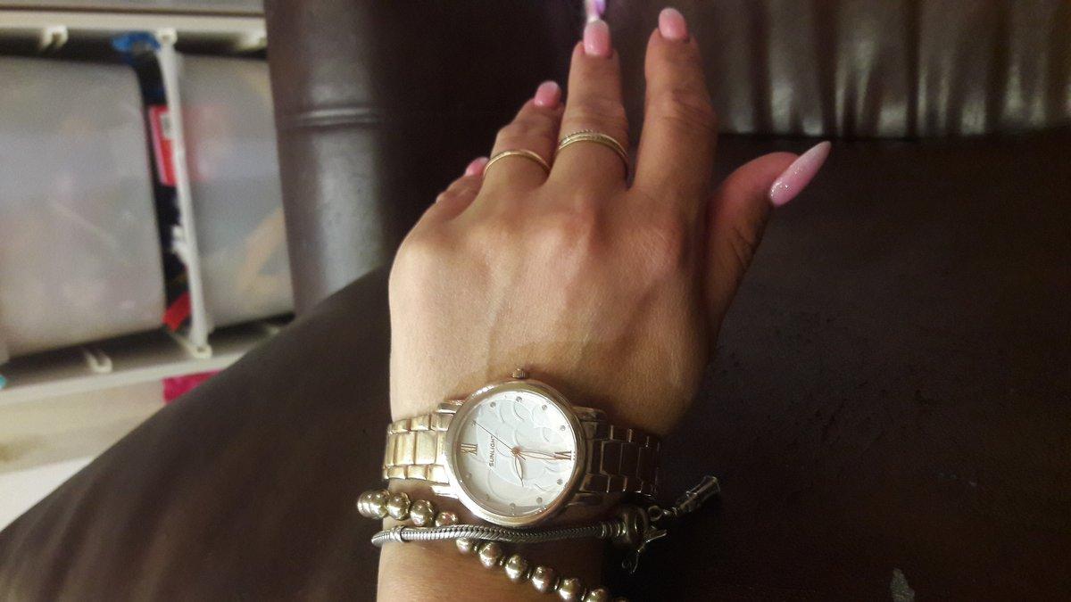 Часы женские. очень красивые