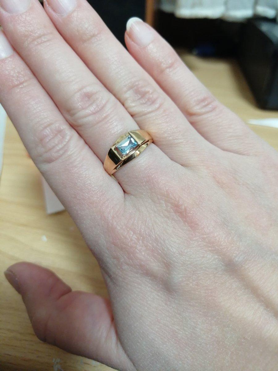 Захотелось кольцо с камнем