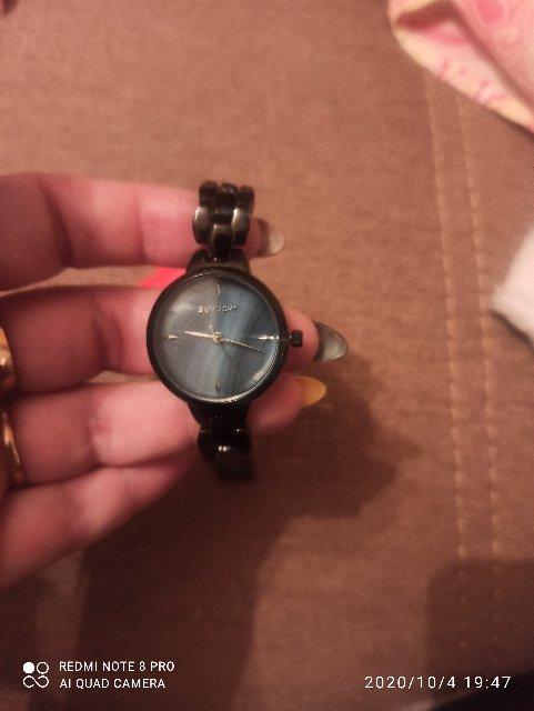 Часы вау, очень красивые.