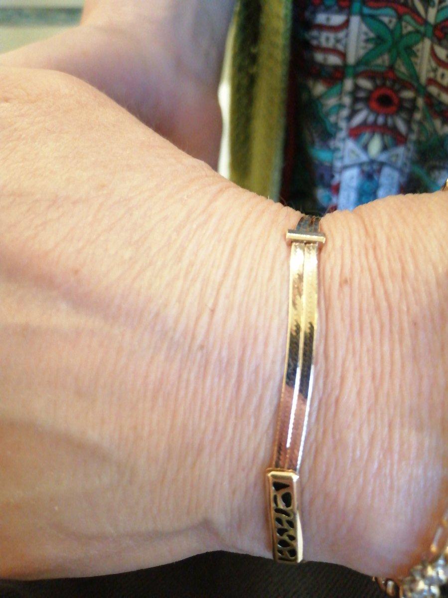Нужен был браслет в комплект к колье, купленному 25 лет назад