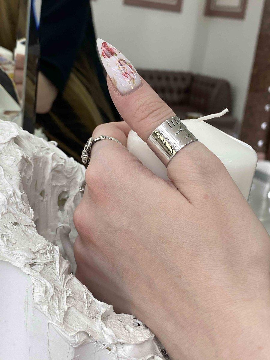 Стильное кольцо, можно изменять размер.