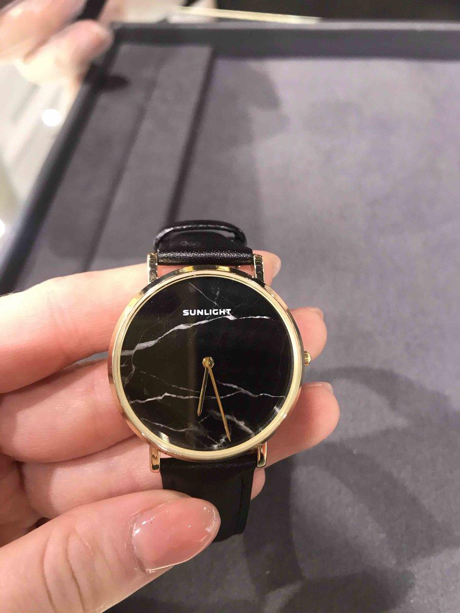 Элегантные, кварцевые часы для девушки