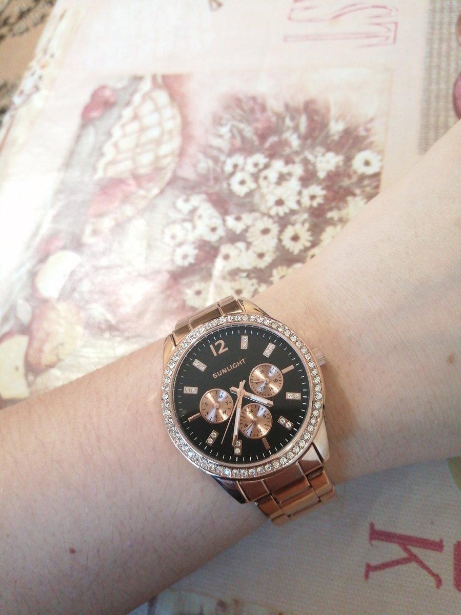 Купила женские часы. размер стандартный.