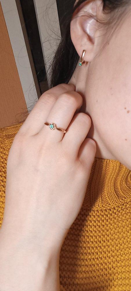 Кольцо с изумрудиком