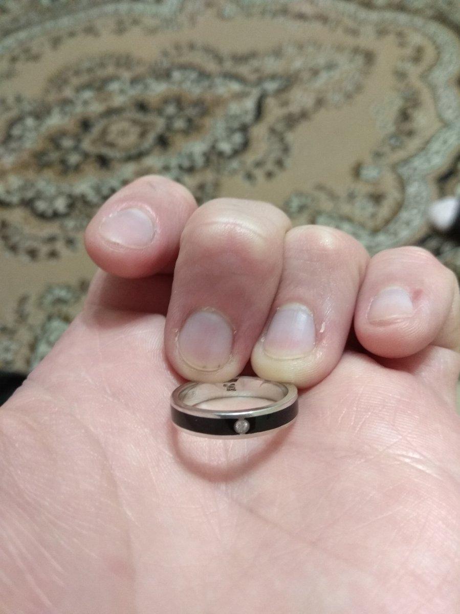 """Офигенное серебряное кольцо с одним """"брюликом"""", унисекс!"""