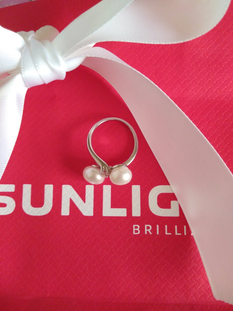 Серебркнное кольцо с жемчугом