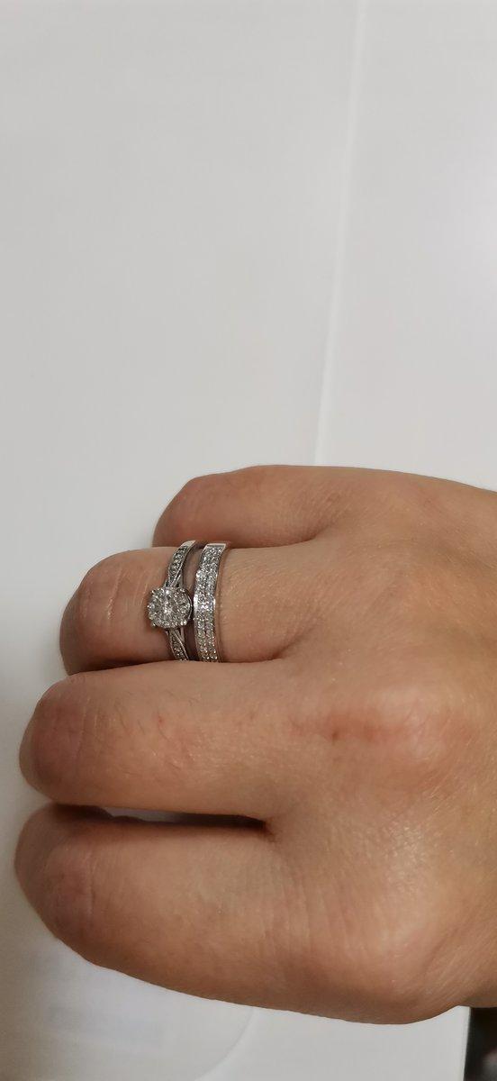 Кольцо с бриллиантами из белого золота