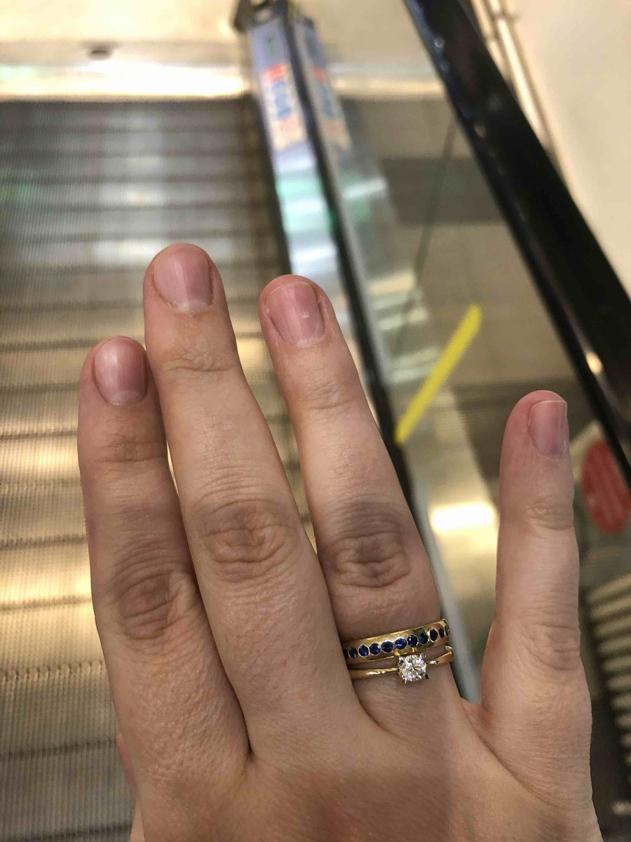 Отличное кольцо! дпвно смотрела и вот оно моееееееее