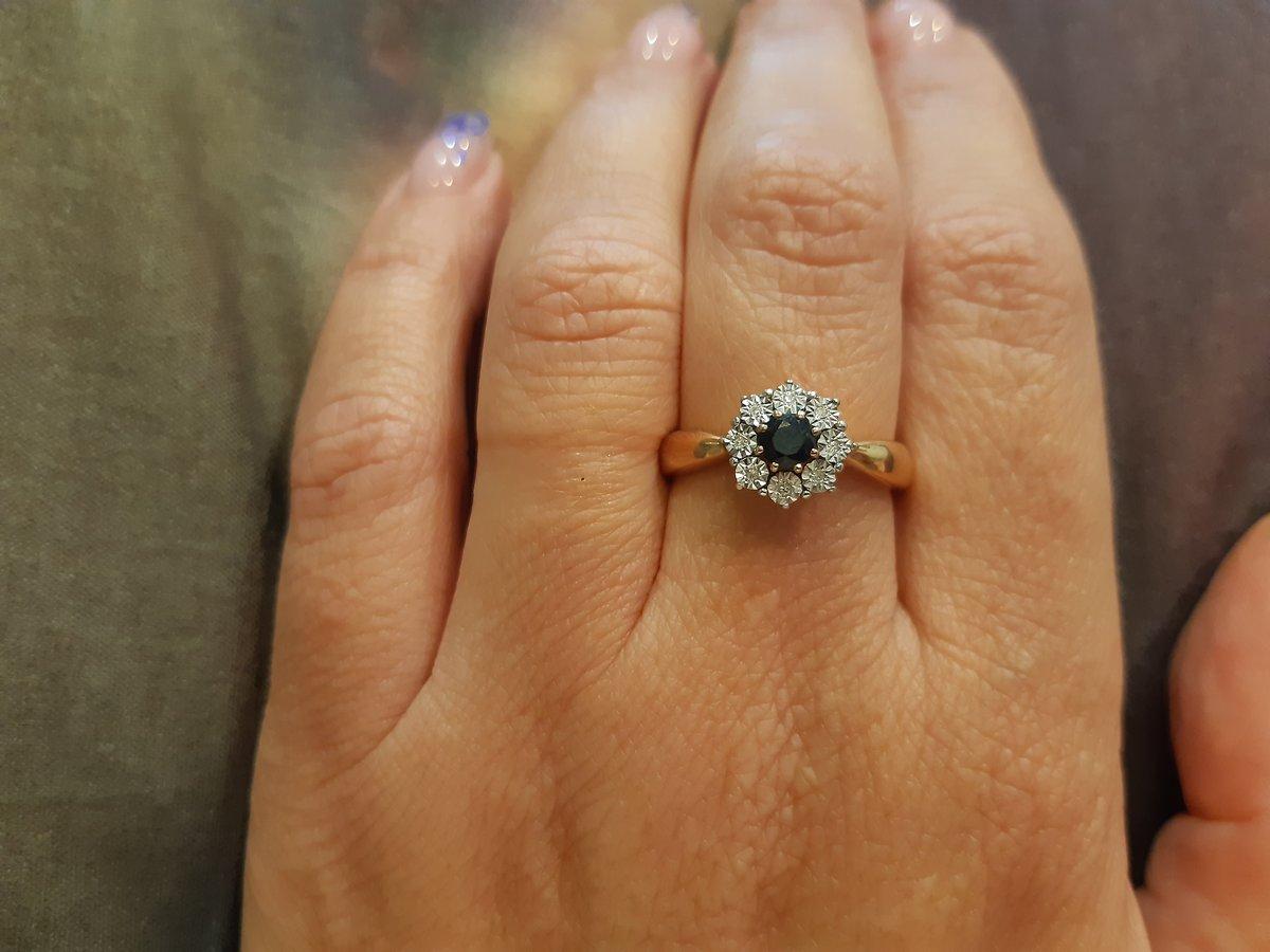 Комплект кольцо и серьги с сапфиром и бридьянтами