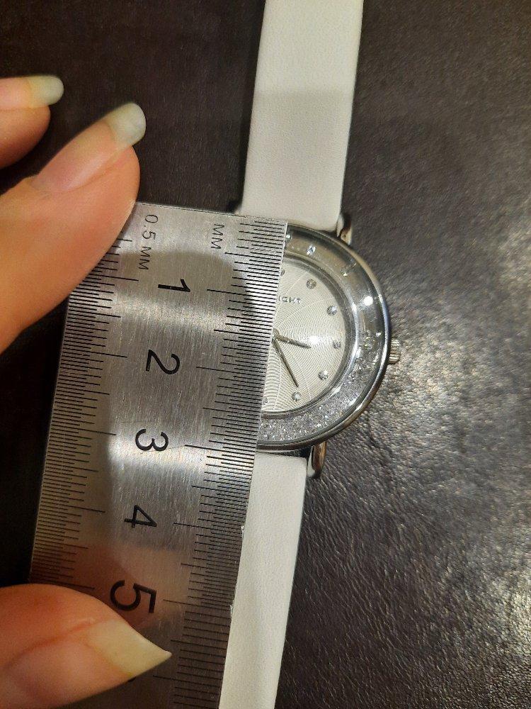 Блестящие часы=)