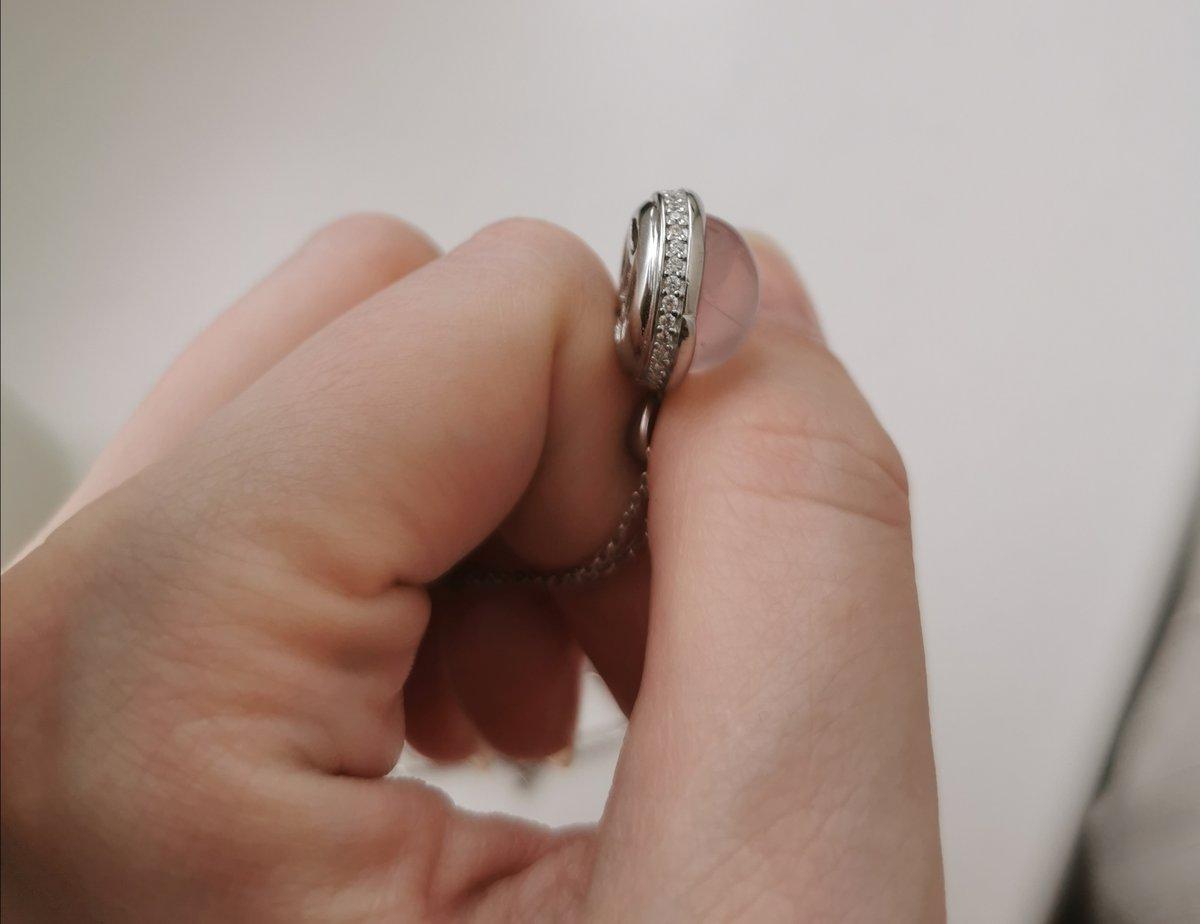 Симпатичный серебряный комплект - кулон с цепочкой, нежный, аккуратный.