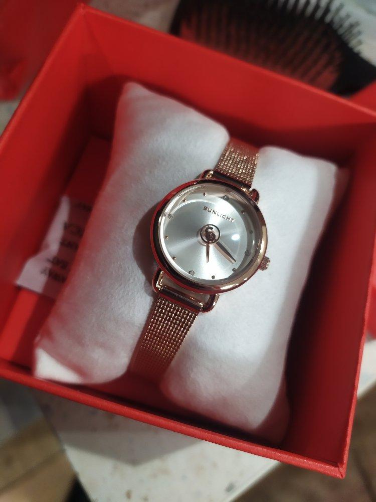 Подарила часы маме на день матери