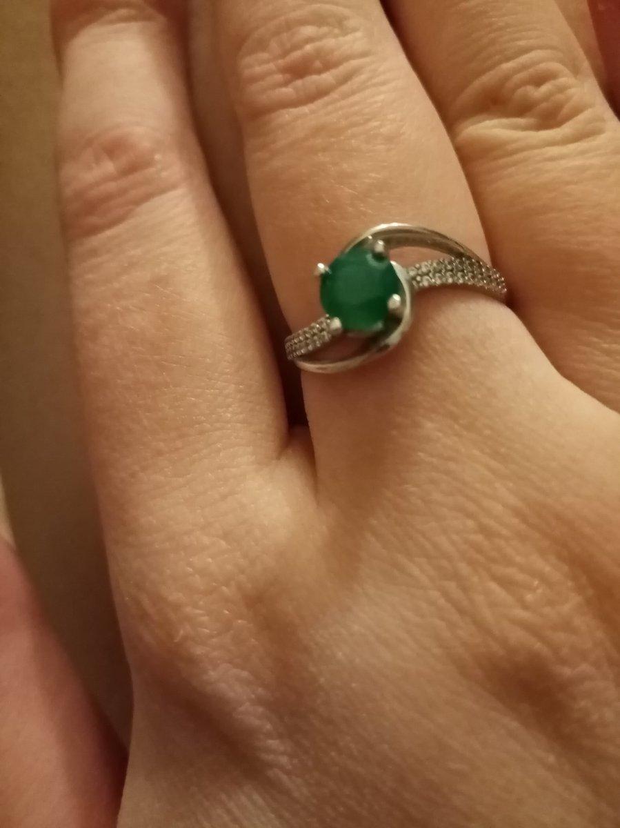 Осуществила свою мечту о кольце с изумрудным агатом