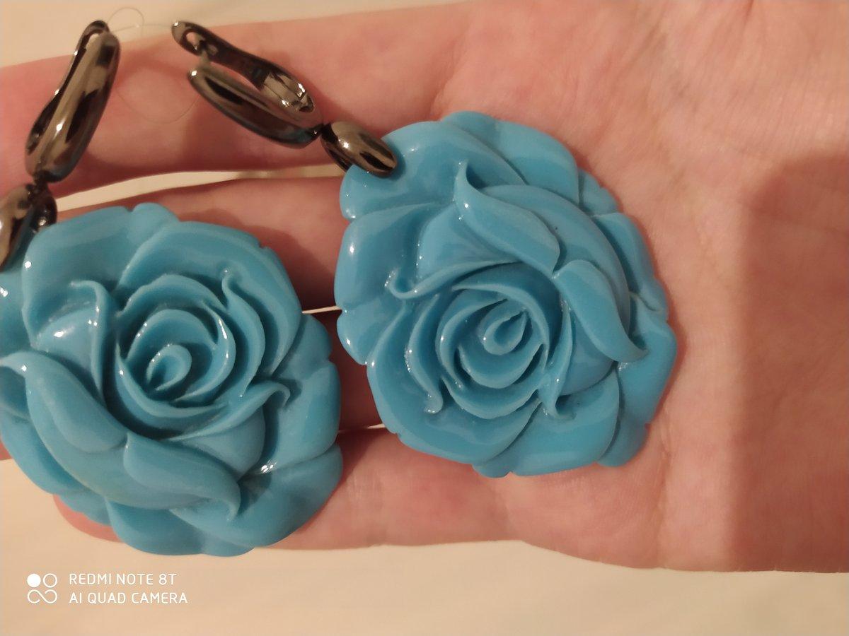 Серьги большие голубые розы