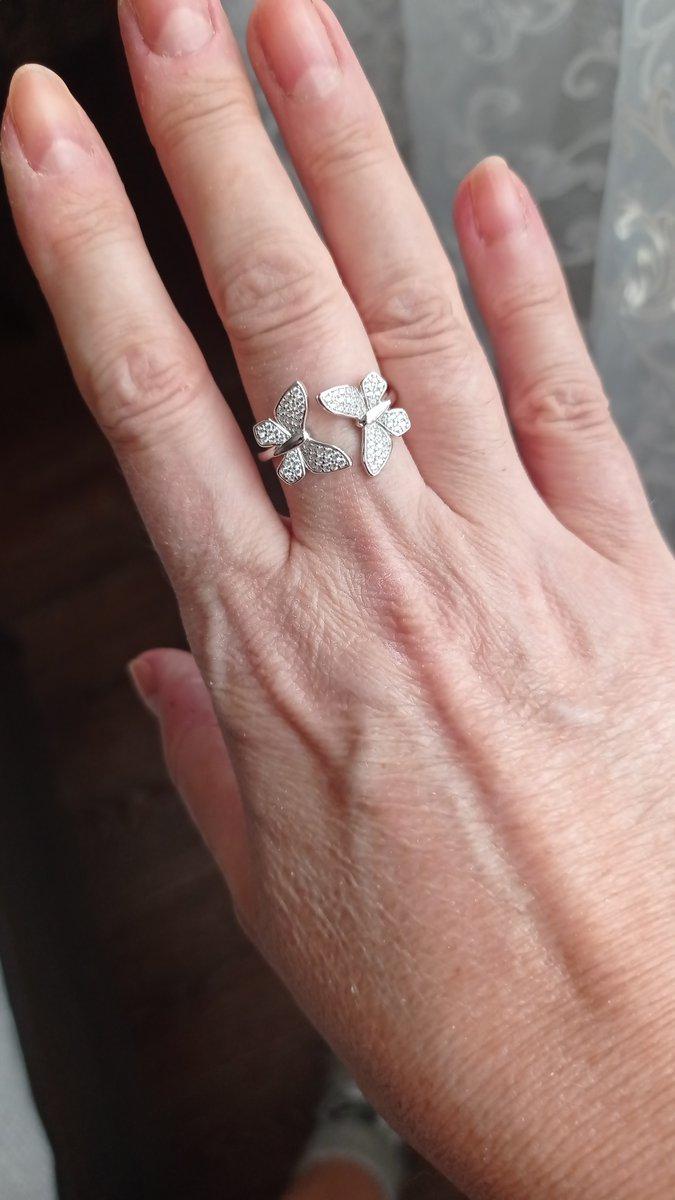 Нежное кольцо с бабочками
