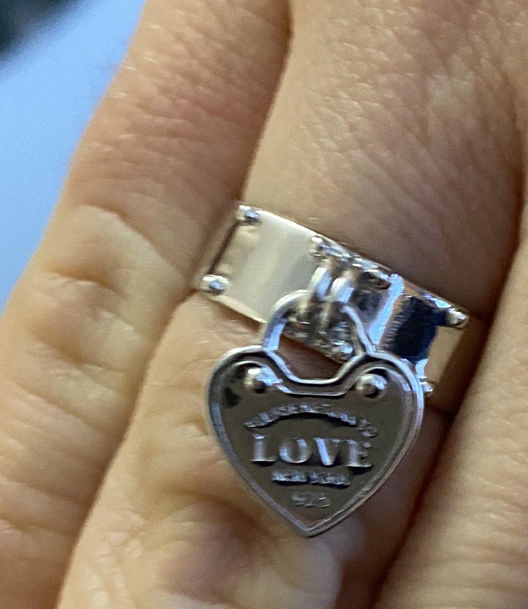 Очень интересное кольцо с сердцем в стиле тиффани