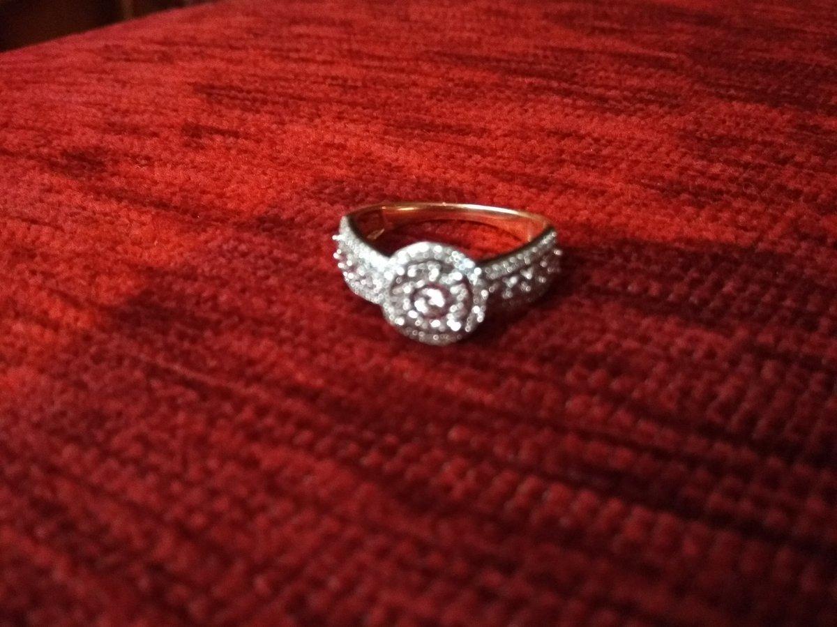 Очень красивое самодостаточное кольцо