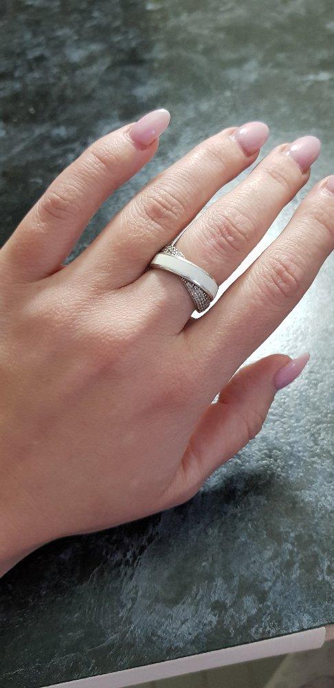 Кольцо с фианитами и эмалью