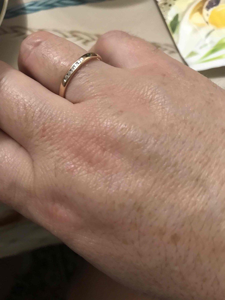 Очень милое, утонченное кольцо. спасибо отличным продавцам-консультантам!