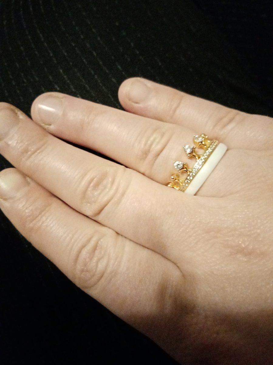 Кольцо из позалоченного серебра, керпюамики и феанитов